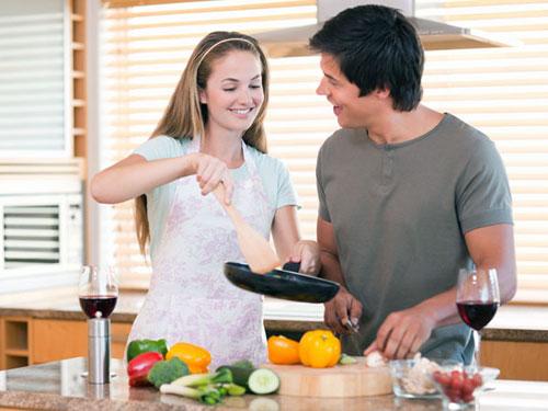 Chị em là vợ chứ không phải 'giúp việc nhà'