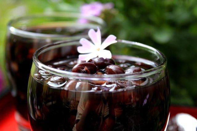 Dùng nước đậu đen giải nhiệt mùa hè: Sai hoàn toàn!