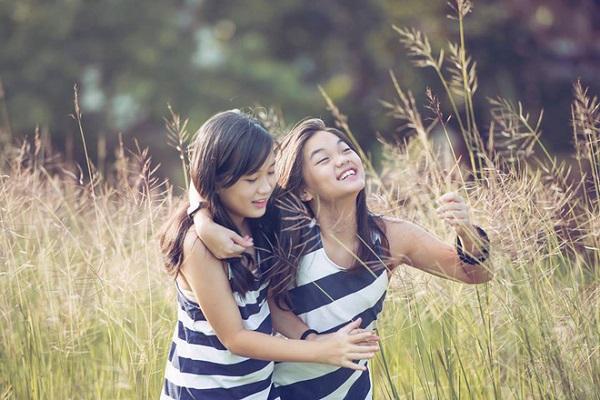 Vẻ xinh xắn của hai cô con gái nhà Mỹ Lệ
