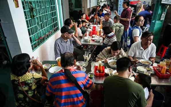 Phở Nam Định  hút thực khách giữa Sài Gòn tấp nập