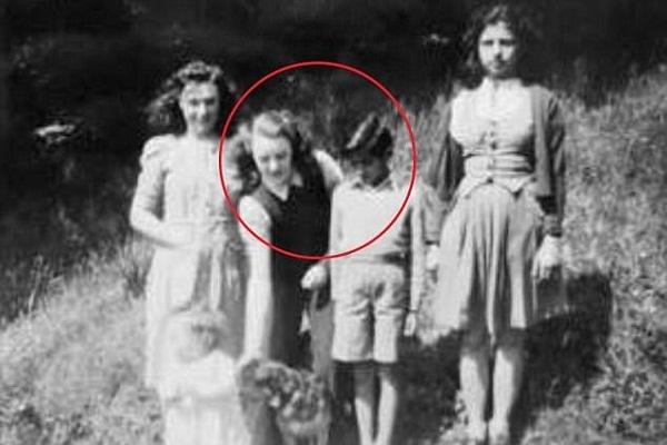 Tìm được em trai giàu nhất thế giới sau 60 năm thất lạc
