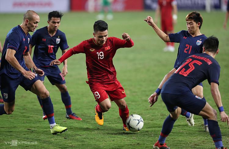 HLV Park Hang-seo chọn tiền vệ Nguyễn Quang Hải làm đội trưởng U22 tại SEA Games 30