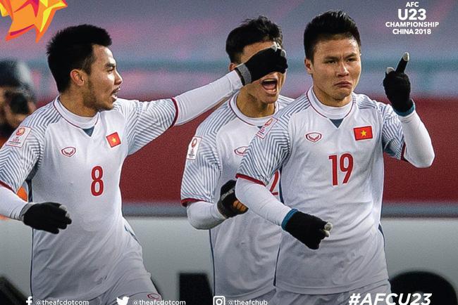 Cầu thủ Việt Nam mừng chiến thắng trước Qatar