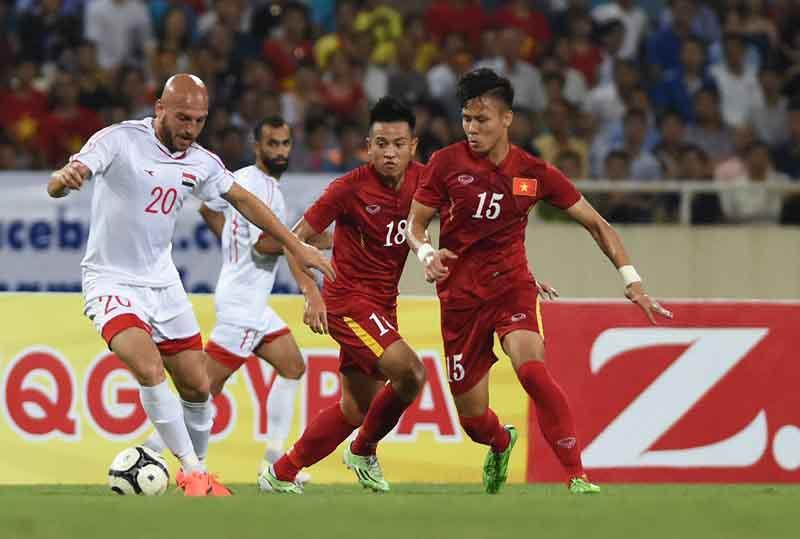 HLV Park Hang-seo vẫn đau đầu với cánh phải của tuyển Việt Nam