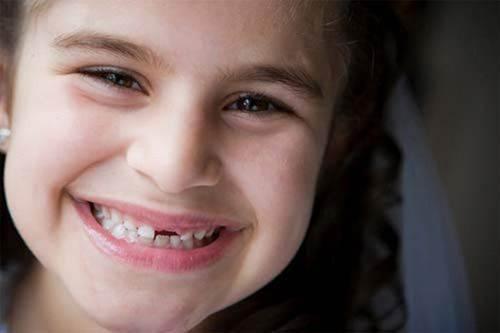 Chăm sóc răng miệng cho trẻ theo từng giai đoạn