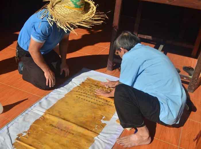 Tư liệu Hán Nôm nhiều gia đình ở Huế mục nát