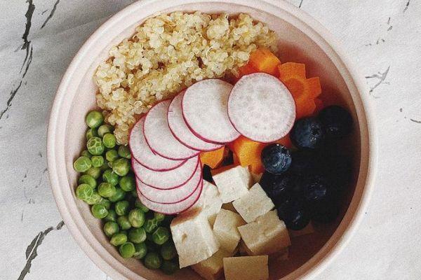 """5 công thức salad ngon miệng, giúp bạn trẻ """"ăn kiêng giữ dáng"""""""