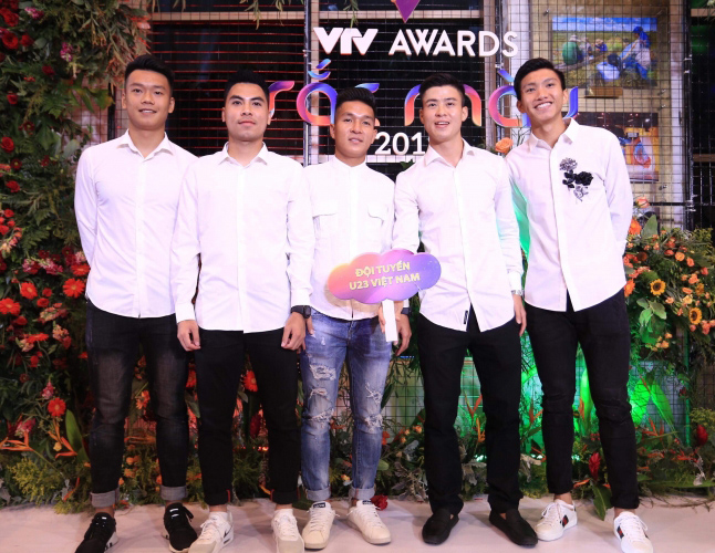 Các 'soái ca' của U23 Việt Nam nhận cú đúp giải thưởng