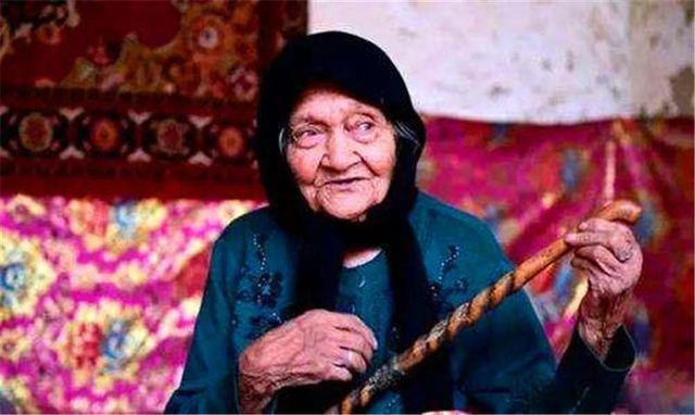 Cụ bà 133 tuổi cả đời khỏe mạnh và 5 quy tắc cuộc sống