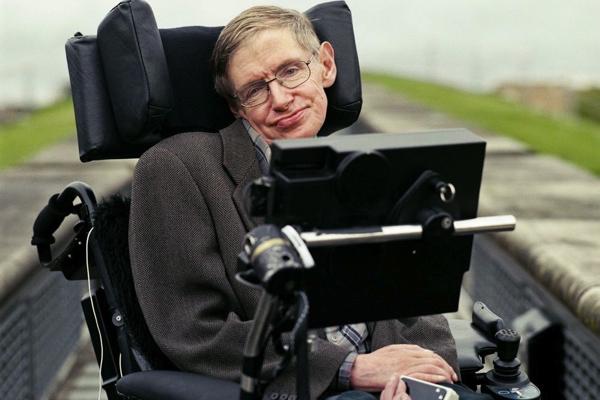Nhà khoa học người Anh Stephen Hawking qua đời ở tuổi 76
