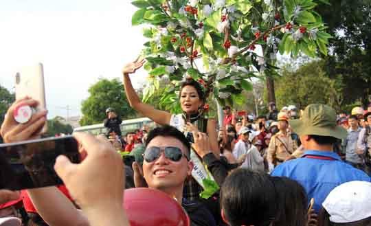 Lễ hội cà phê 'Tinh hoa đại ngàn' đang diễn ra rất sôi động tại Buôn Ma Thuột