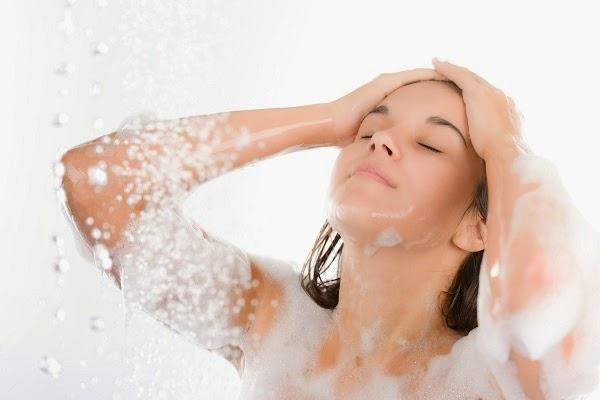 Thời điểm nào trong ngày không nên tắm?