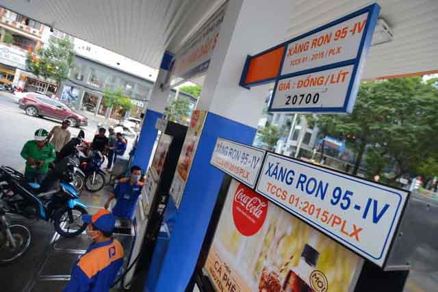 Thuế xăng dầu được đề xuất tăng kịch khung: 4.000 đồng/lít