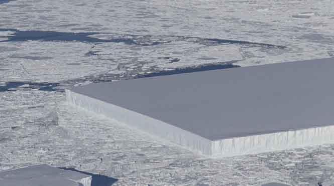 Phát hiện tảng băng trôi vuông vắn một cách kinh ngạc ở Nam Cực