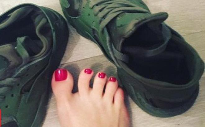 Người phụ nữ kiếm hơn 3 tỷ một năm nhờ bán tất thối, giày cũ