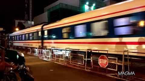 Tàu lửa lại suýt đâm vào nhau tại ga Nha Trang