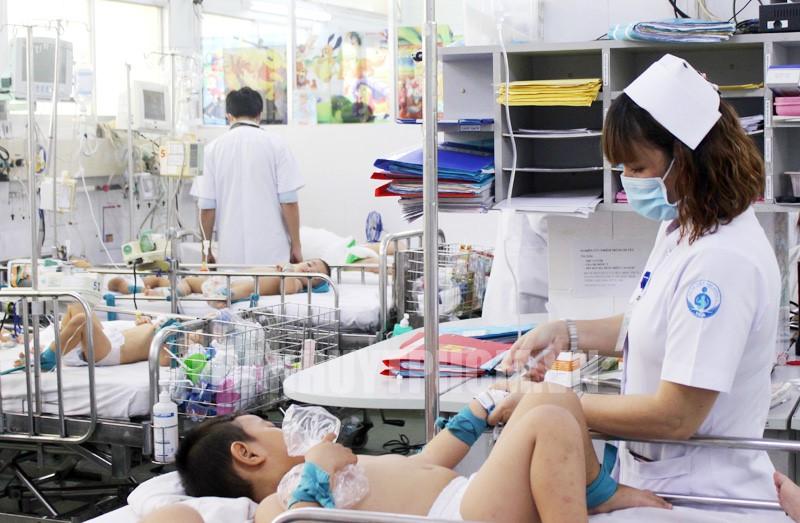 Bộ Y tế lên tiếng thông tin do virus biến đổi gen, dịch tay chân miệng tăng đột biến