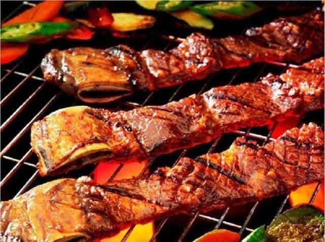 Lưu ý: Những điều cấm không nên khi ăn thịt nướng