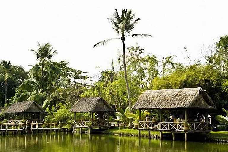 Đảo phố giữa lòng Sài Gòn