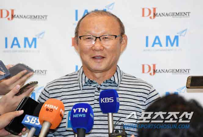 Người hâm mộ Việt Nam 'mát lòng' với phát biểu của HLV Park Hang-seo tại Hàn Quốc