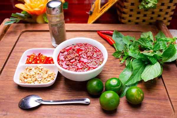 5 loại thực phẩm ăn sống dễ gây ngộ độc