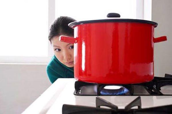 Mẹo hay giúp giảm lượng ga khi nấu ăn