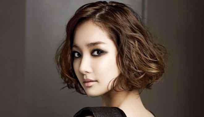 Vì sao tóc xoăn sóng nước luôn được phái đẹp ưu ái?