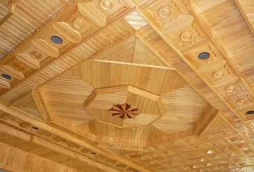 Trần nhà gỗ giúp căn nhà thêm tỏa sáng