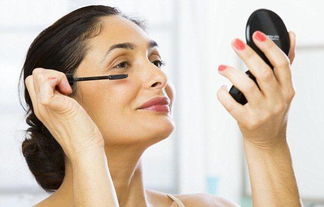 Giữ gìn làn da hiệu quả cho phụ nữ trung niên bằng những cách sau