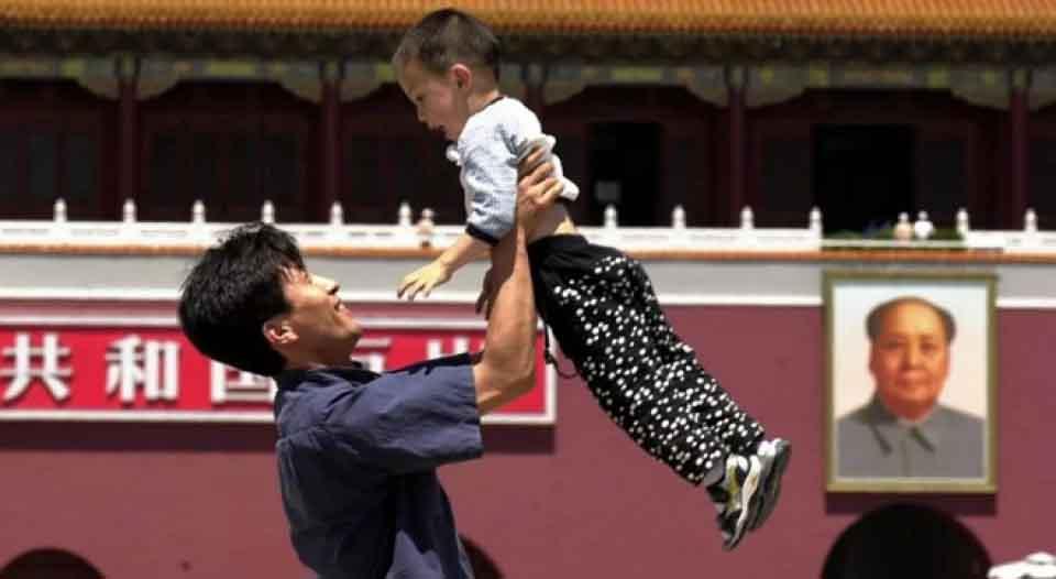 Trung Quốc: Các gia đình trẻ oằn vai vì gánh nặng tài chính