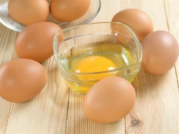 Điều chế thuốc trị ung thư trong trứng gà?
