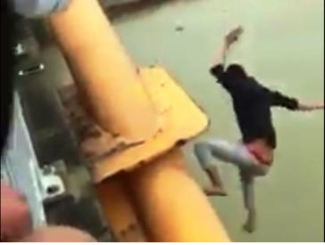 Một nam thanh niên nhảy sông Cấm - Hải Phòng tự tử vì World Cup