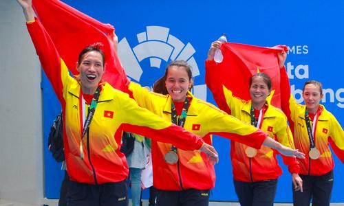 Đội rowing nữ 'giải cơn khát' vàng cho Việt Nam tại ASIAD 18
