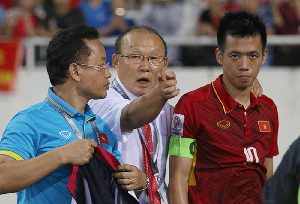 Không phải Xuân Trường, Nguyễn Văn Quyết tạm thời được trao băng đội trưởng Olympic Việt Nam