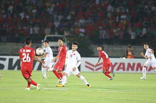 Myanmar 0 - 0 Việt Nam: Trọng tài đã từ chối  bàn thắng hợp lệ của Văn Toàn
