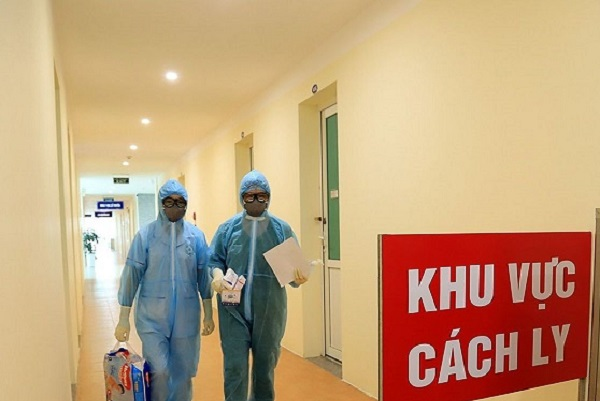 Việt Nam thêm 17 ca mắc COVID-19 đều cách ly ngay khi nhập cảnh