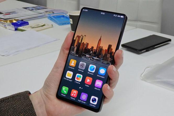 Điện thoại màn hình không viền đầu tiên ra mắt ngày 12.6