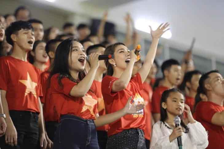 Giải nhất 'Hành trình Hát vì đội tuyển' được biểu diễn tại lễ khai mạc U.21 quốc tế 2019