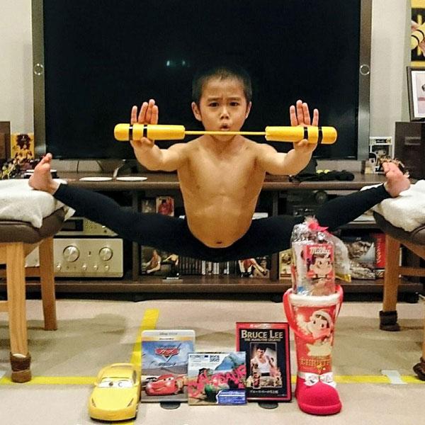 Cậu bé Nhật luyện tập miệt mài vì muốn giống Lý Tiểu Long