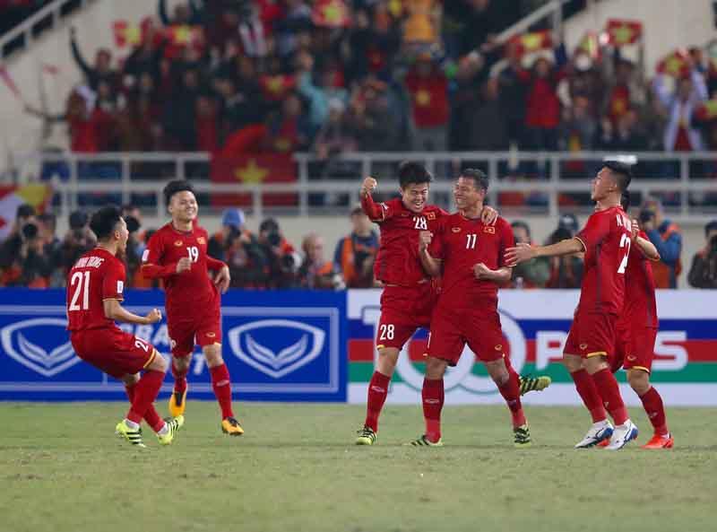 Việt Nam vô địch AFF Cup sau 10 năm chờ đợi với thành tích bất bại