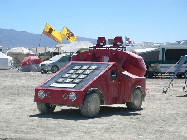 10 mẫu xe lạ lùng chỉ dám nhìn chứ chẳng ai dám lái