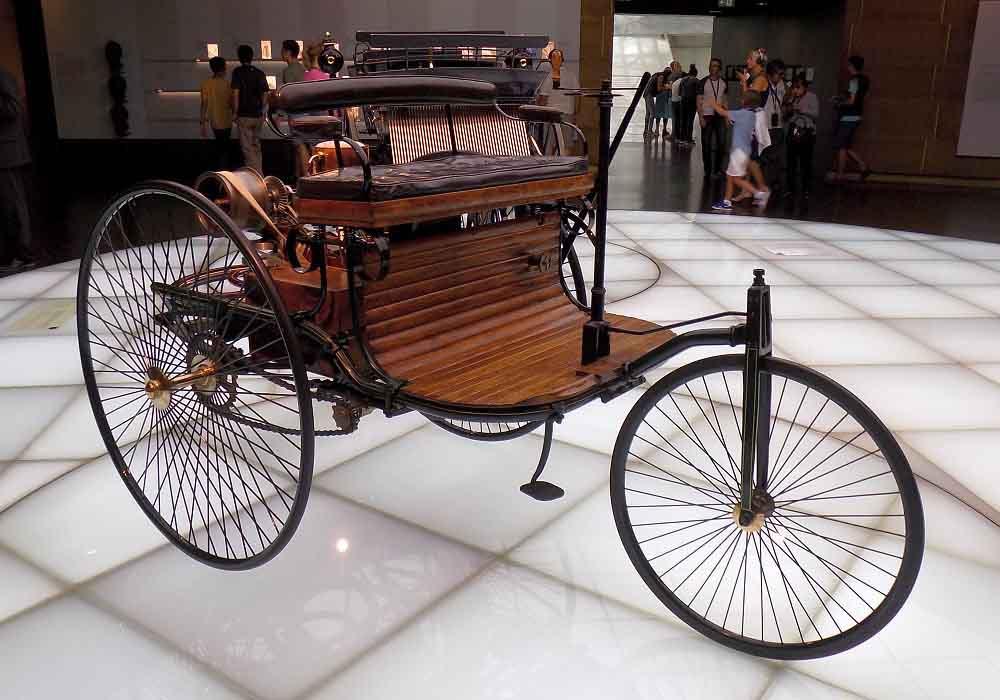 Mercedes bán lại mẫu ô tô đầu tiên trên Thế giới