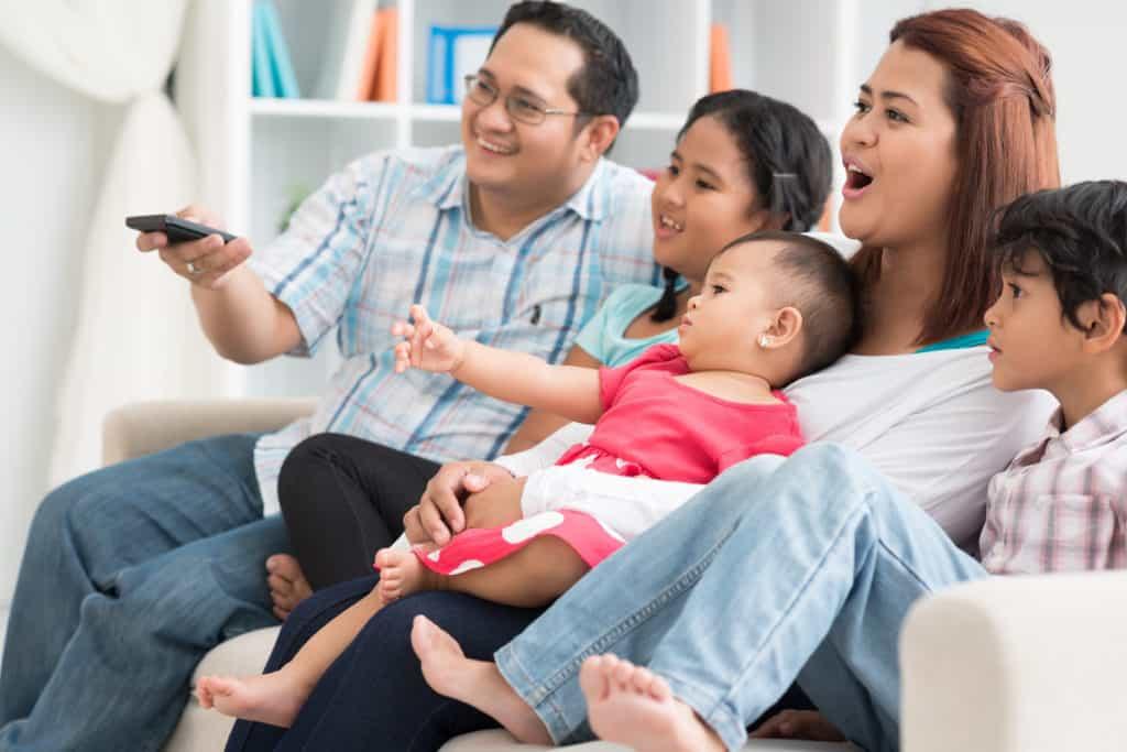 Hậu quả của việc trẻ xem tivi quá nhiều