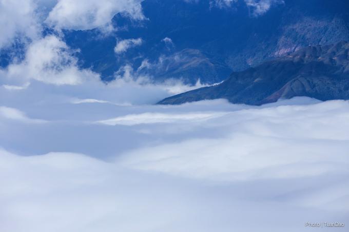Y Tý - Ngập tràn mây chen núi