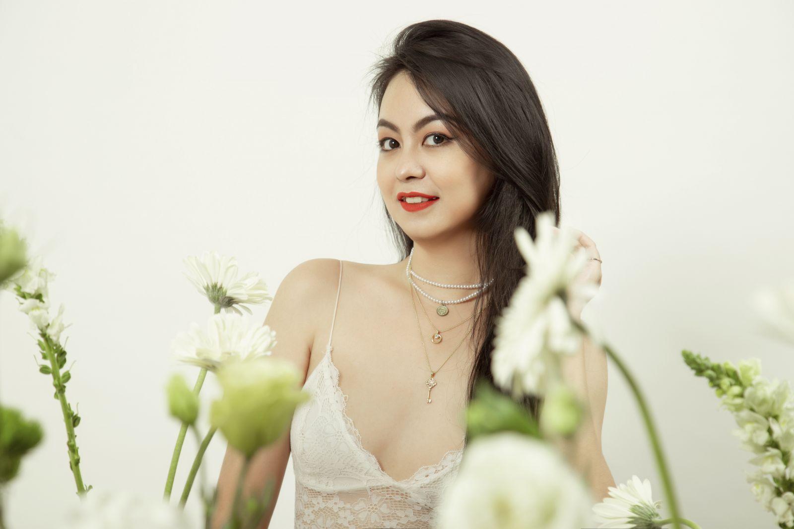Thay đổi phong cách gợi cảm với stylist Hebe Nguyễn