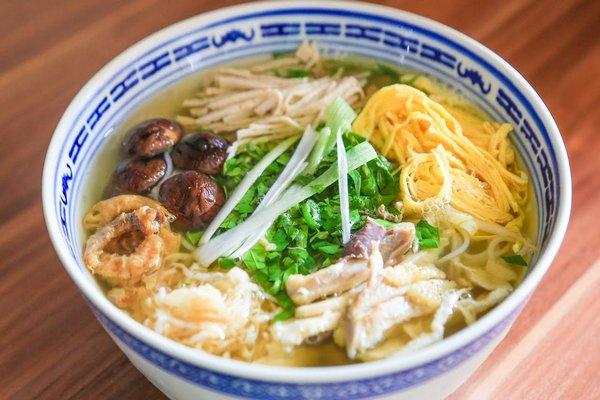 Phong vị tinh tế Hà Thành trong bát bún thang