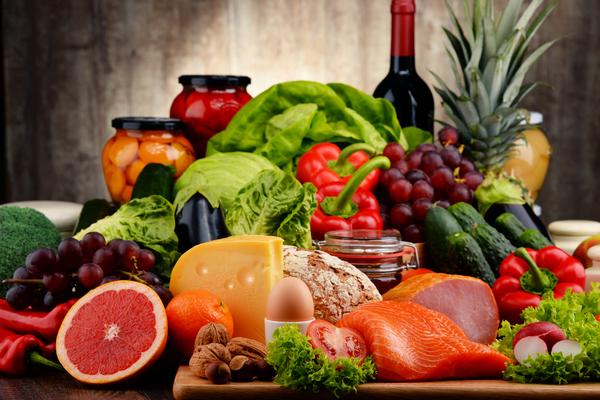 Cần dự trữ những loại thực phẩm nào trong mùa bão lũ