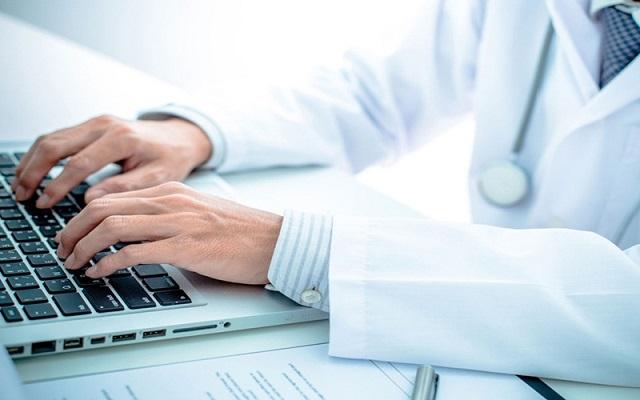Tự do chữa bệnh bằng internet và những hậu quả khôn lường