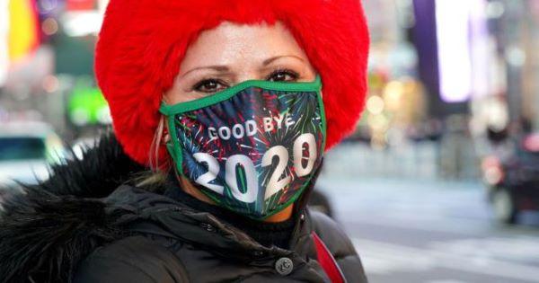 Thế giới đón năm mới thầm lặng dưới bóng đen của đại dịch Covid