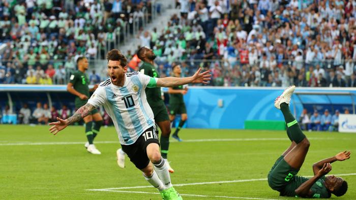 """Lập siêu phẩm, Messi """"chỉ mới khởi động"""" tại World Cup!"""